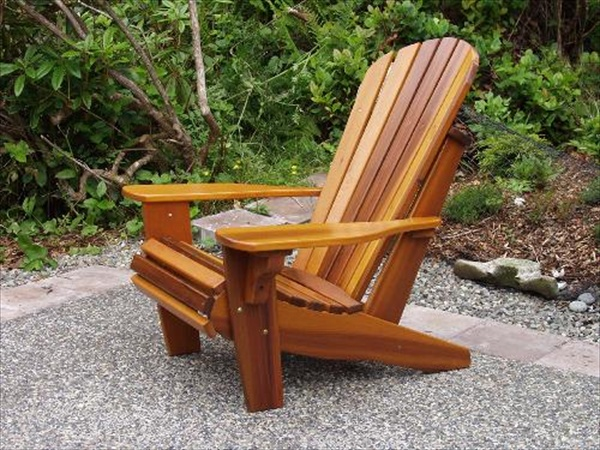 how to build Adirondack chairs from pallets.