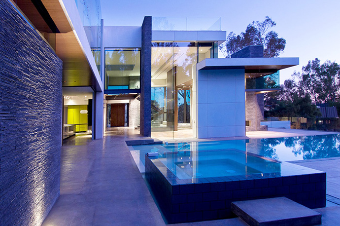 Summit House of Beverly Hills By Whipple Russell ...