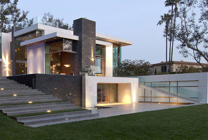 Modern Summit House Design