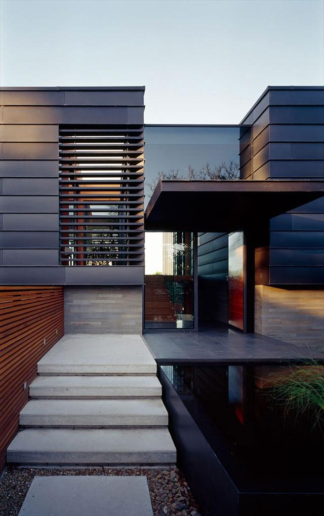 Modern balmoral house by fox johnston architects home for Modern front gate design