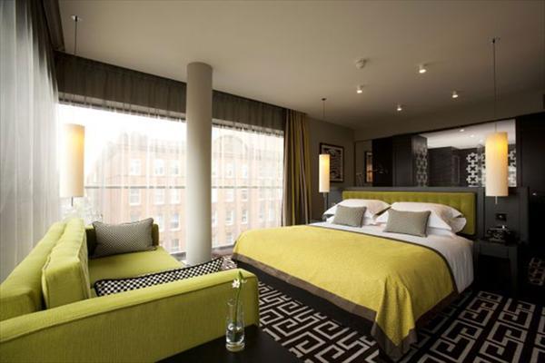 bedroom idea with light green mattress